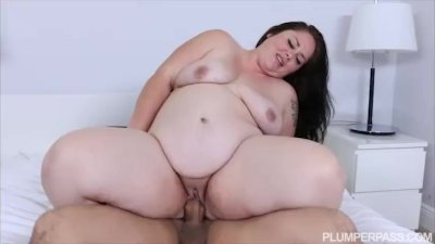 Pregnant BBW Vanessa London Fu