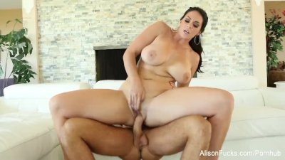 Statuesque hottie Alison Tyler sucks & fucks on the couch
