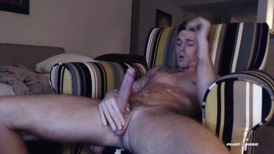 Hot Stud Cums on Cam