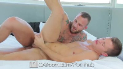 HD GayRoom - Hot tall and tattooed guy suck and fuck