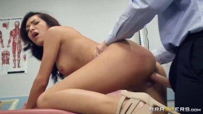 Virgin Medical Massage - Brazzers