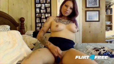 Tatted Fetish Babe With Pierced Nipples Loves Talking Dirty
