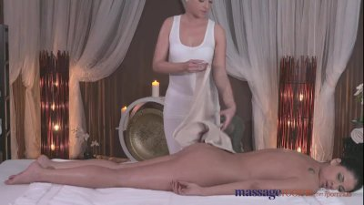 Massage Rooms Sexy blonde give