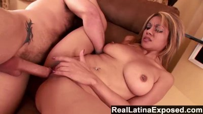 ReallatinaExposed - Vanessa gets dripping-wet before shooting her first por