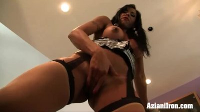 Viana gets horny and finger bangs standing up