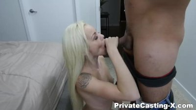 Clara and Betty are two sexy pussy-lickers