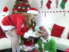 MILF Julia Ann gives an elf a Merry XXXmas with a hard fuck - Mrs. Creampie